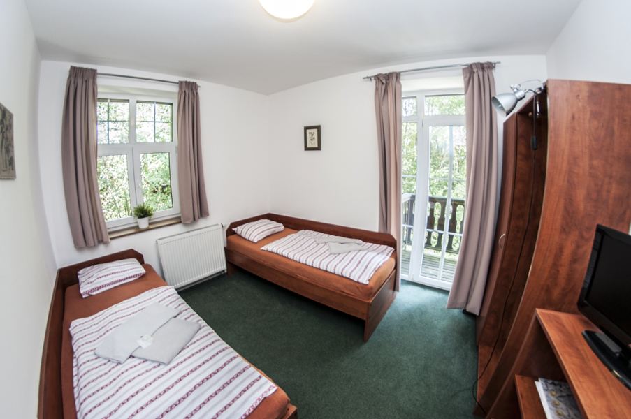 DOUBLE ROOM WITH SEPARATE BEDS (106)